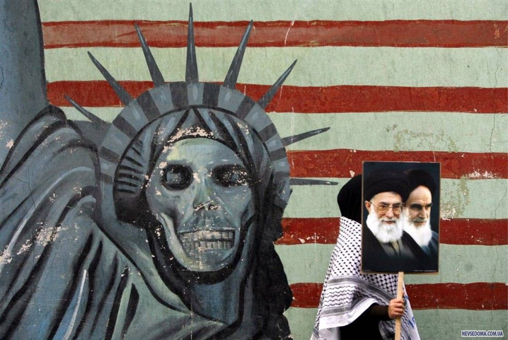 the historical background of the revolution of 1979 and its impact on iran and the united states Brief history of the iranian revolution of 1979 and islamist supporters of the ayatollah khomeini united to demand 1979: iran's islamic revolution.
