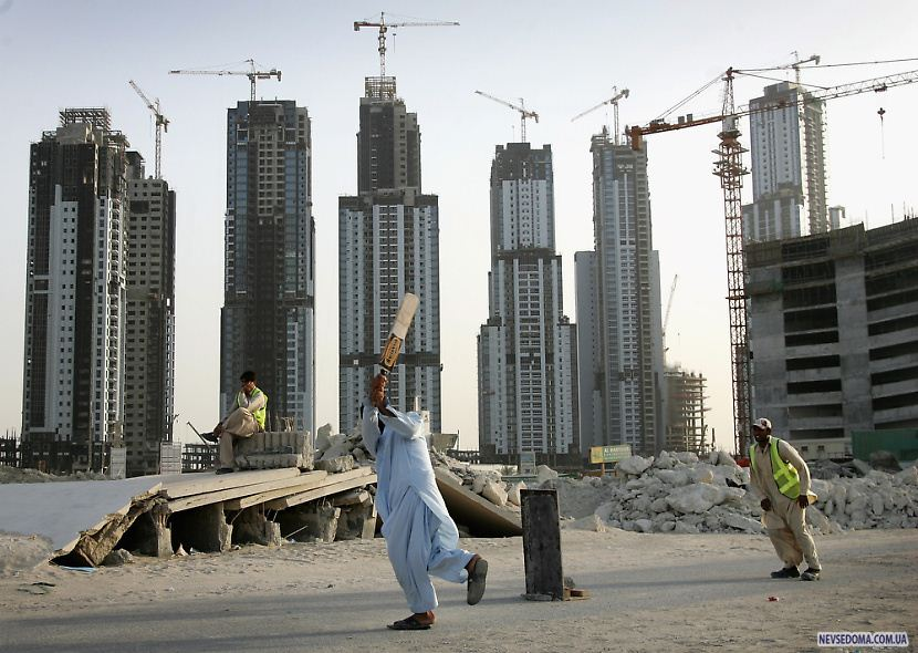 dubai a crisis unfolds New delhi (ap) — as a political crisis plays out in the maldives, a quiet tug of war is taking place around it, with heavyweights china and india vying for strategic dominance in the picturesque indian ocean nation at first glance, beijing and new delhi want no part in the turmoil that erupted.
