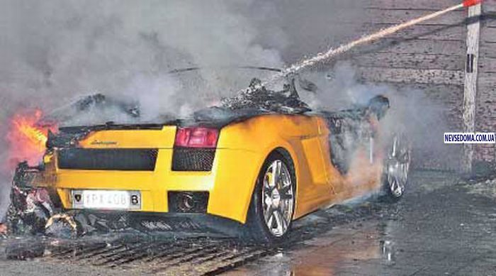 burned lamborghini gallardo