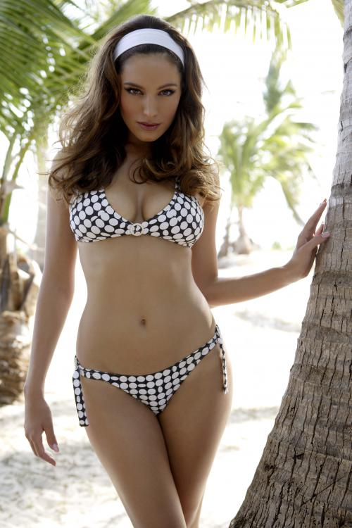 Kelly Brook (15 фотографий)