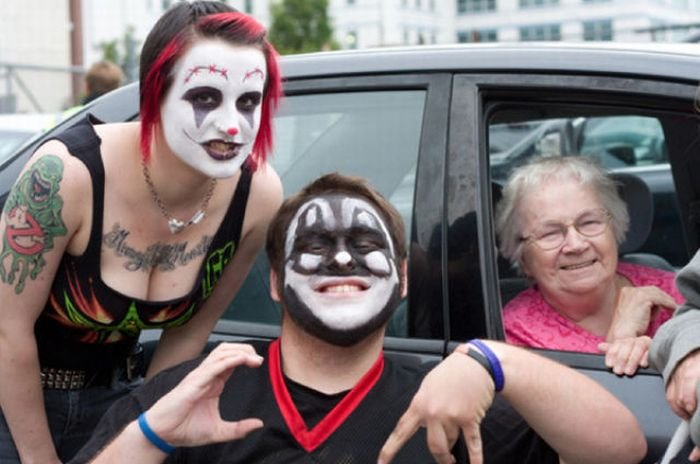 what is a juggalo I'm here to blast through the media-fueled classist and closed-minded opinions on juggalo culture and talk about juggalos as our allies ultimately, i hope that other anarchists like myself will show up to the juggalo march on washington on september 16th and try to make genuine connections with a subculture who should be our natural [].