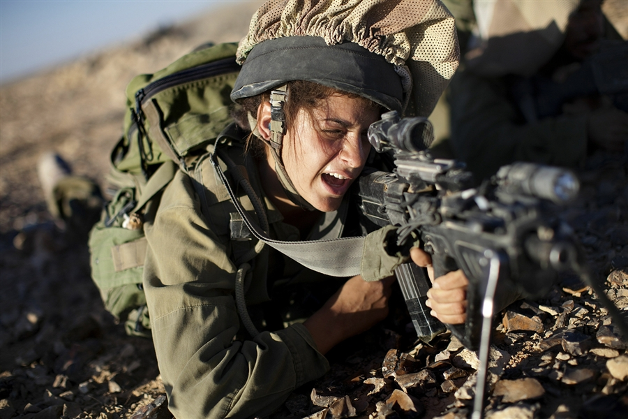 women in ground combat units List of cons of women in combat 1 lacks physical strength physical strength has always been one of the major points that opponents like to emphasize when illustrating why women should be excluded from military service.