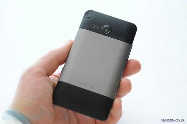 General Mobile Touch Stone - отличный коммуникатор на Android'е