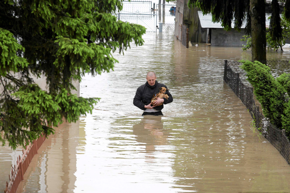floods in europe Violent storms and downpours have lashed parts of northern europe in recent days, leaving nine people dead, breaching the banks of the seine in paris and flooding rural roads and villages.