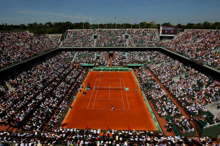 Roland-garros would like to wish its fans in india a very happy children's day!.