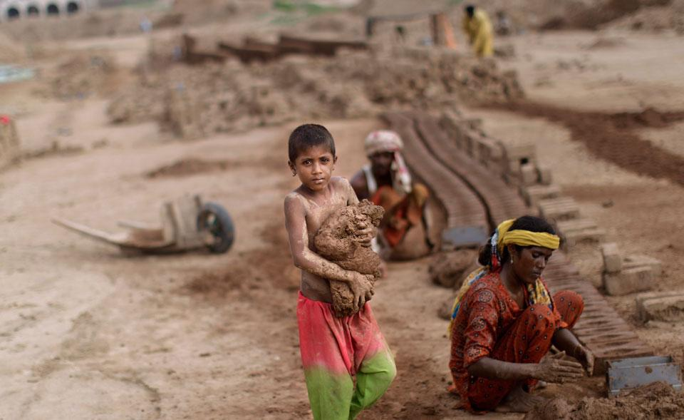 research paper child labour pakistan According to a research conducted by should take action for the implementation of the child labor act to overcome the ratio of child labor in pakistan.