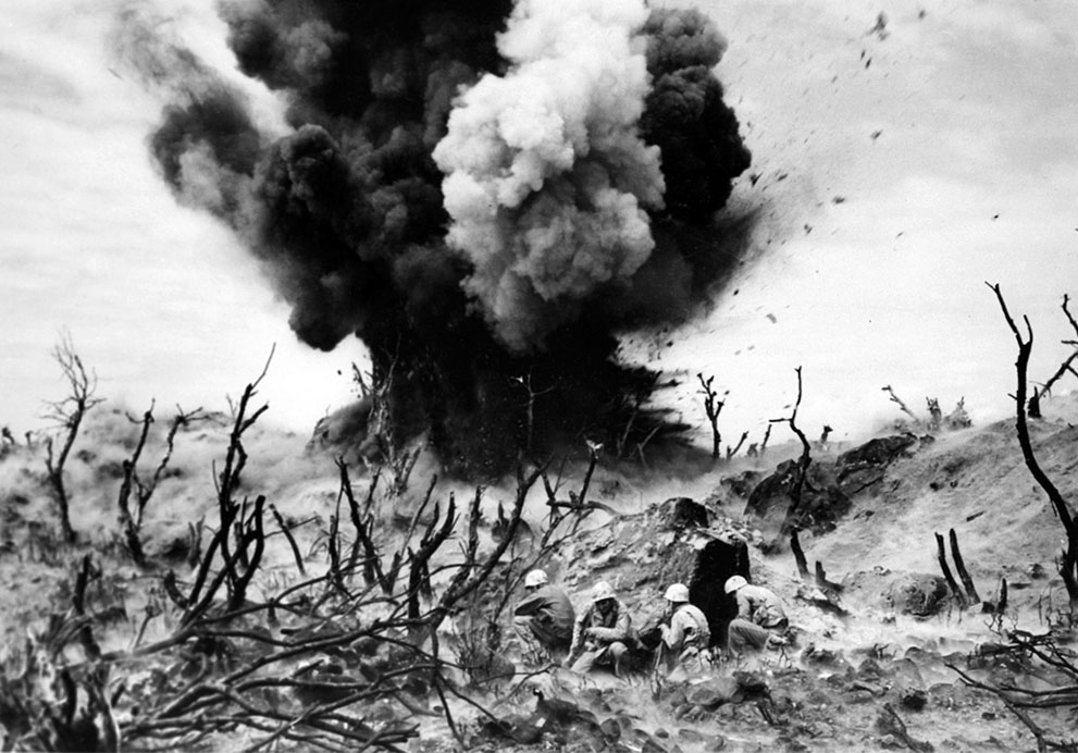world war ii and the war World war ii multimedia database the institute on world war ii and the human experience nga toa (nga toa features a collection of oral history and personal accounts from ww2 veterans of new zealand's armed forces.