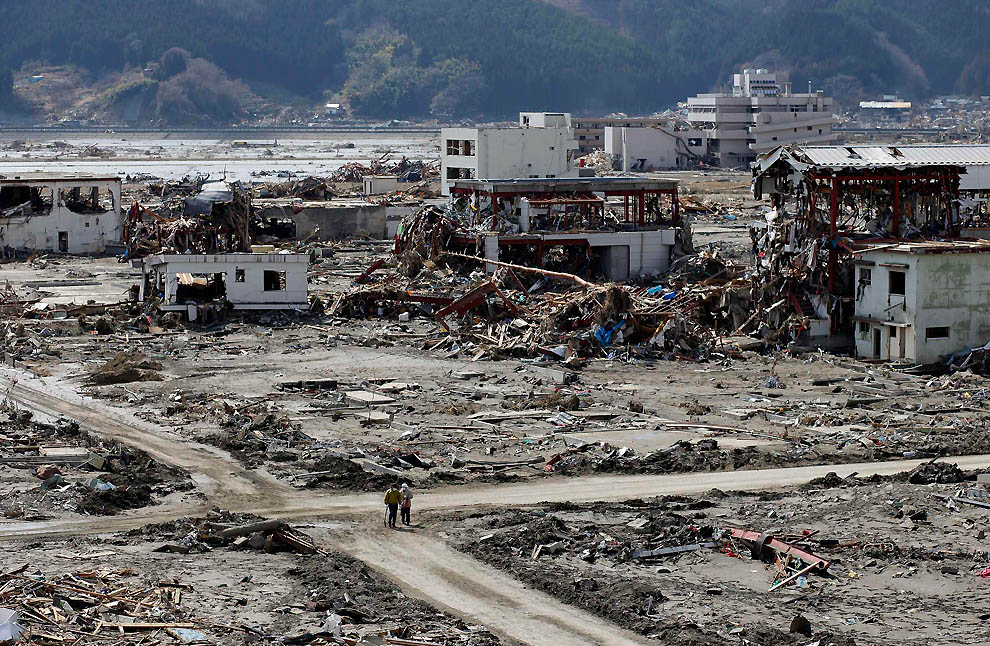 japan tsunami photo essay