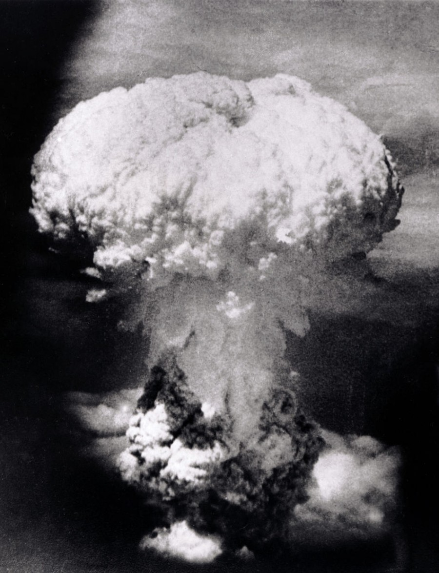 """the possible alternatives to the use of the atomic bomb on the japanese during world war ii """"what were the alternatives to the august 1945 atomic bombings of hiroshima & nagasaki and to world war ii several alternatives use the atomic bombs."""