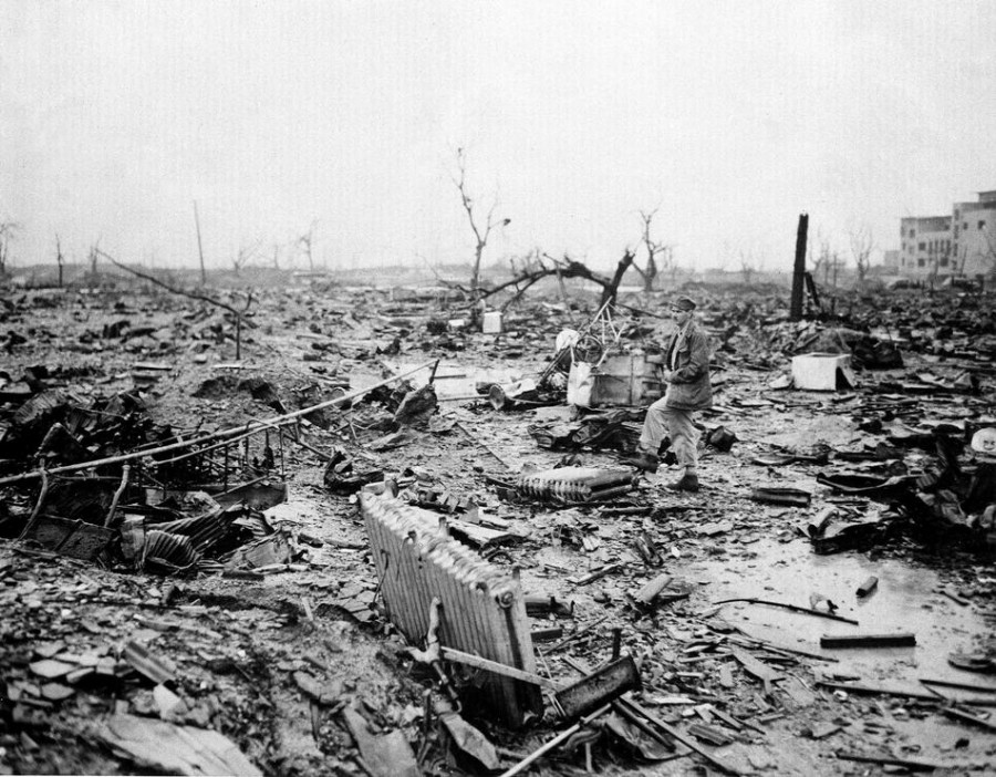 disaster in japan atomic bombs in nagasaki and hiroshima The debate over the atomic bombings of hiroshima and nagasaki concerns the numerous causes which jointly and cumulatively were responsible for japan's disaster.